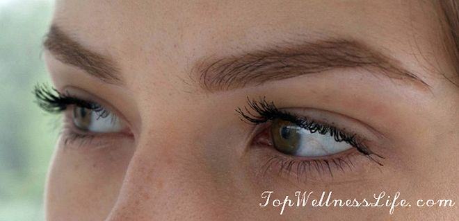 The updated mascara to add volume YSL Volume Effet Faux Cils Luxurious Mascara For A False Lash Effect in Black 5