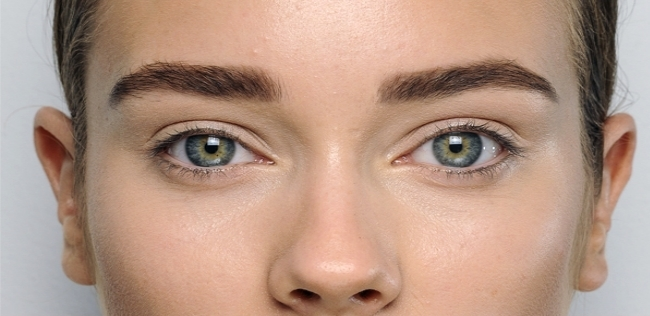 Straight eyebrows for drawn faces